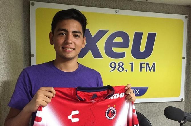 ¡Felicidades a Gerardo Hernández, ganador de la playera firmada de los Tiburones Rojos en xeu deportes!