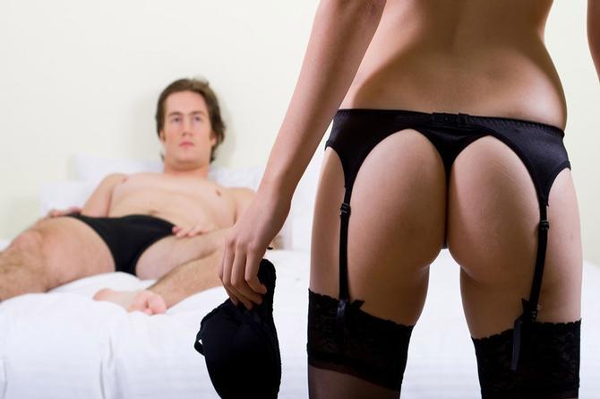 Descubre las fantasías sexuales que las vuelve locas