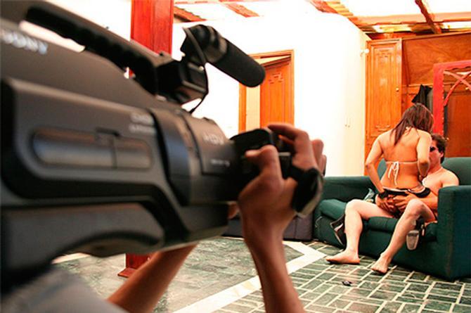 Producción de películas porno es suspendida por actor supuestamente infectado por VIH (+FOTOS)