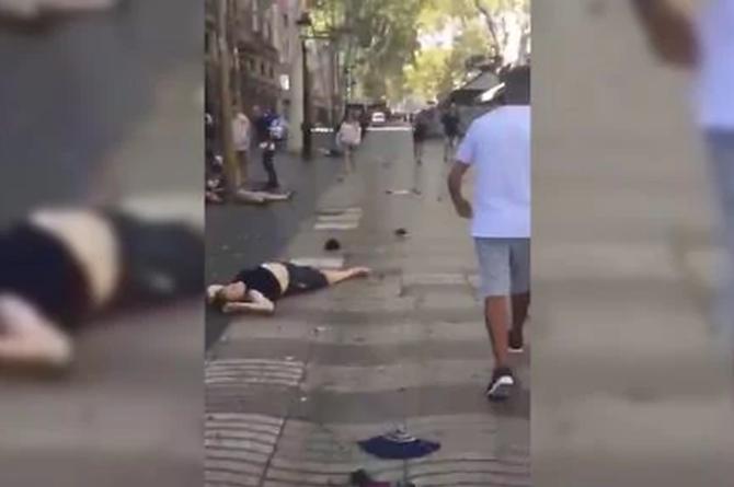 ¡Lamentable! Policía confirma 13 muertos y al menos 50 personas heridas en atentado de #Barcelona