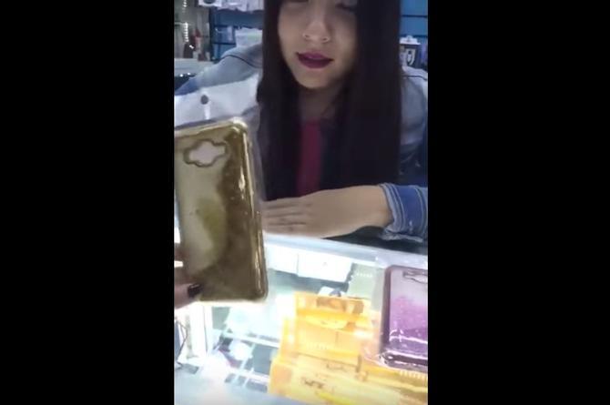 Comercializan fundas de teléfono con 'lágrimas de la Virgen María' (VIDEO)