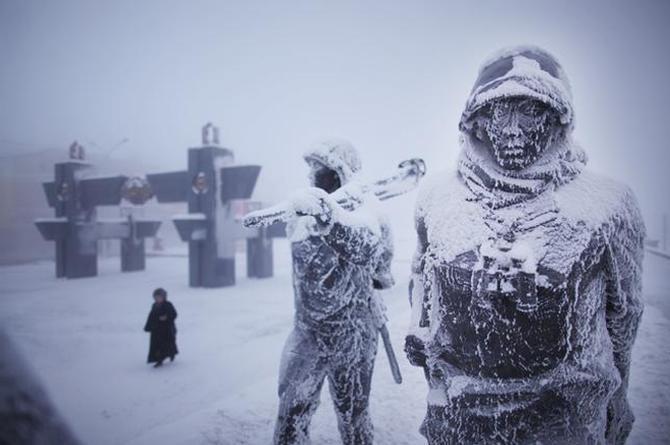 ¡Aquí sí hace frío! Oymyakon, el poblado más frío sobre la tierra, se te congelan hasta los... (VIDEO+FOTOS)