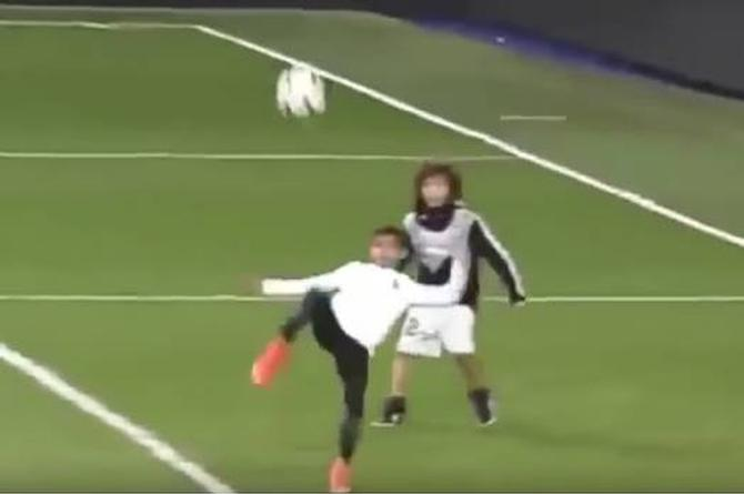 Se viraliza golazo de chilena de hijo de Cristiano Ronaldo (+VIDEO)