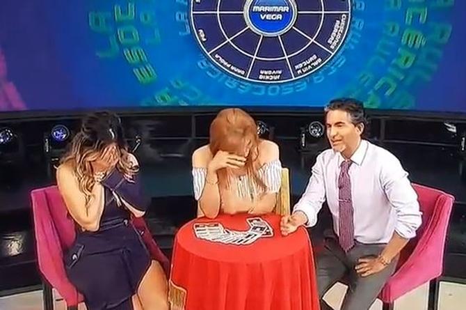 Resbalón de Mhoni Vidente, se equivoca en el apellido de Marimar Vega... ¡le mete una 'r' y dijo...! (+VIDEO)