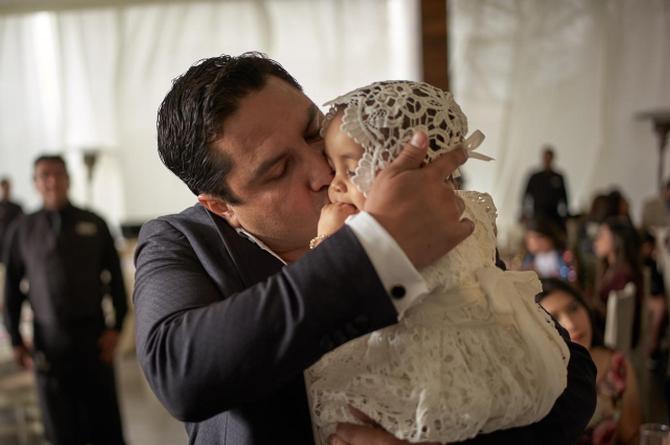 Julión Álvarez da la fecha en la que nacerá su segundo hijo
